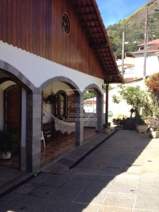 Casa Cascatinha Petr�polis